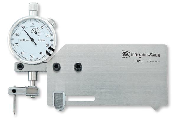 Thước đo độ sâu rãnh hàn 0-4mm niigataseiki, FDW-1